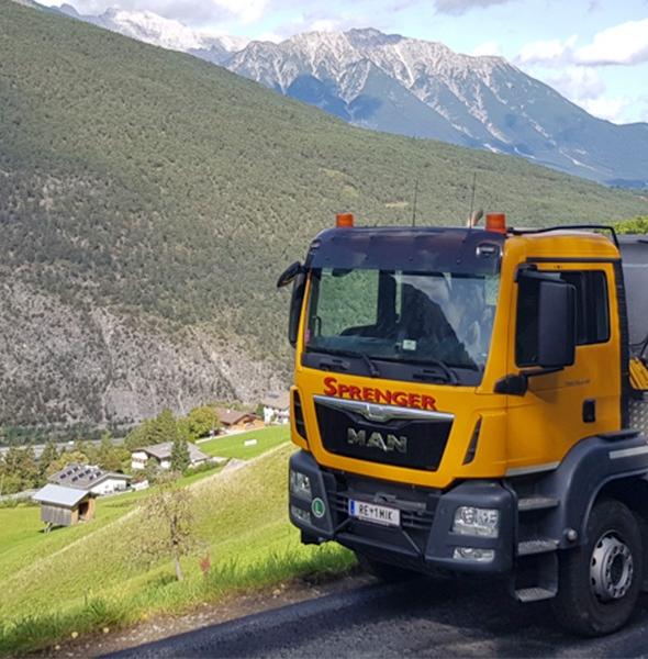 Firma Sprenger Asphaltmulde MAN 33430