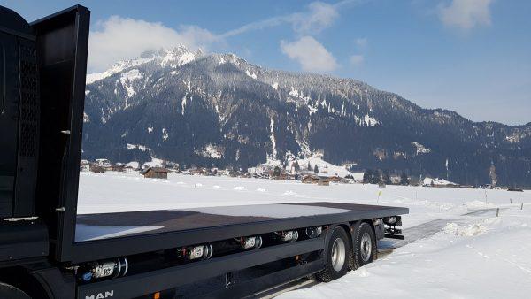 Firma_Sprenger Metalltechnik Pritschenaufbau auf LKW