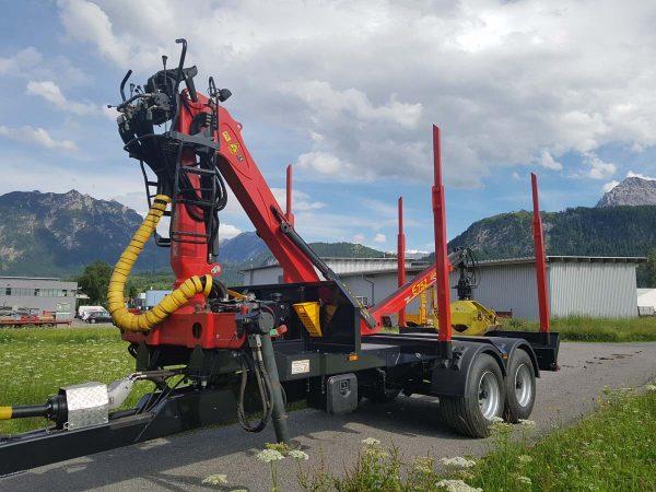 Metalltechnik Anhängerbau Rungenanhänger mit Kranaufbau